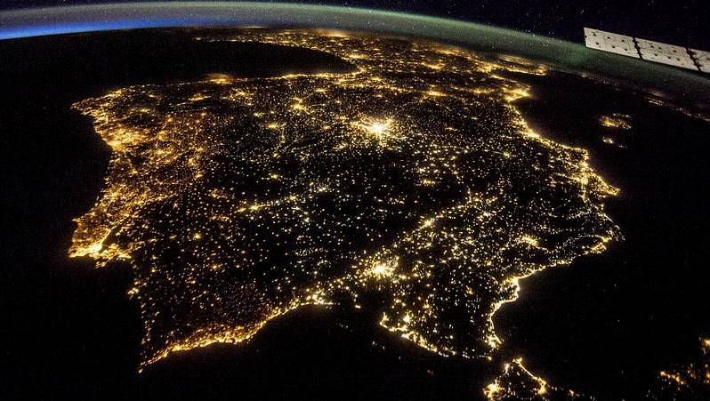 Así brilló la superluna.A participación na andaina nocturna, celebrada o luns, foi a maior de todas as edicións.