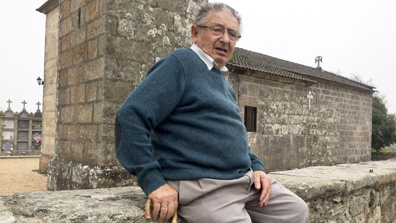 El ganado vuelve a Amio.Samuel Fariña Pisos, en octubre del 2016, en la iglesia de Santa Cruz de Lamas, en Moraña