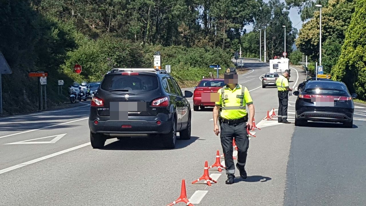 Control de la Guardia Civil de Tráfico en carreteras mariñanas