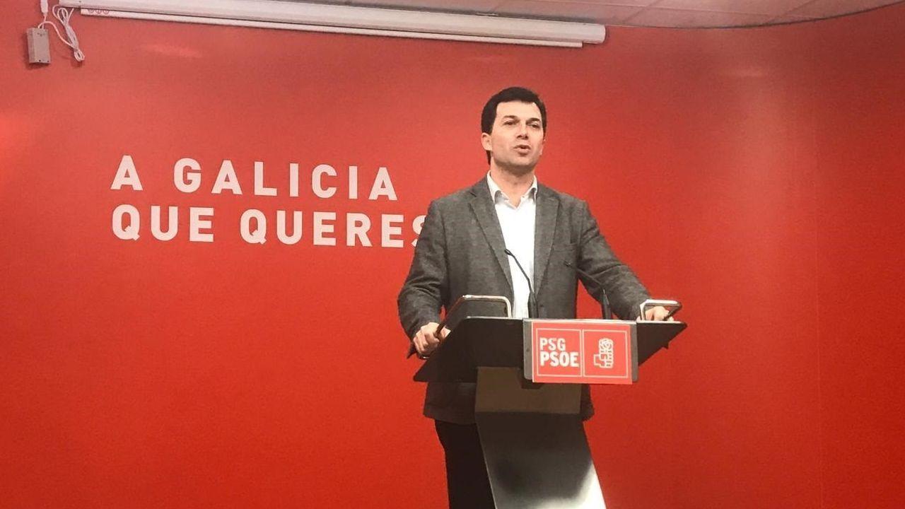EN DIRECTO | Comparecencia del presidente de la Xunta tras la reunión extraordinaria del Consello.Aragonés (ERC) y Torra (Junts), durante una reunión de gobierno de la Generalitat