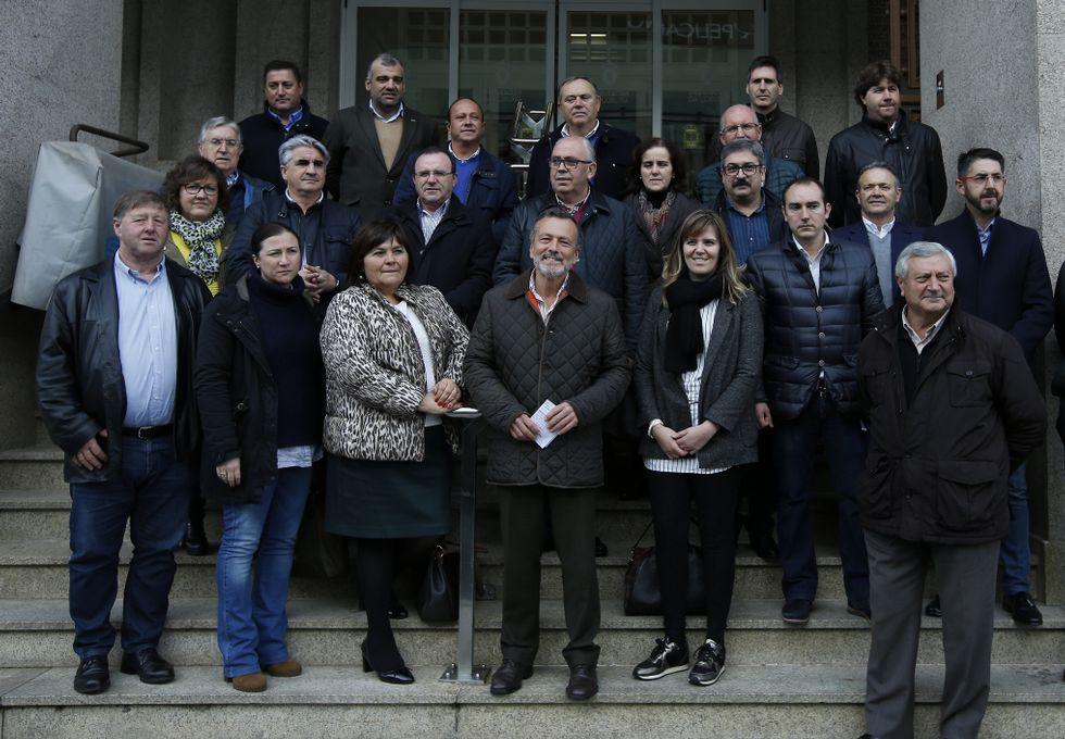 Cinco conselleiros, sin escaño.Los fijos. Agustín Hernández, Elena Muñoz y Xesús Vázquez