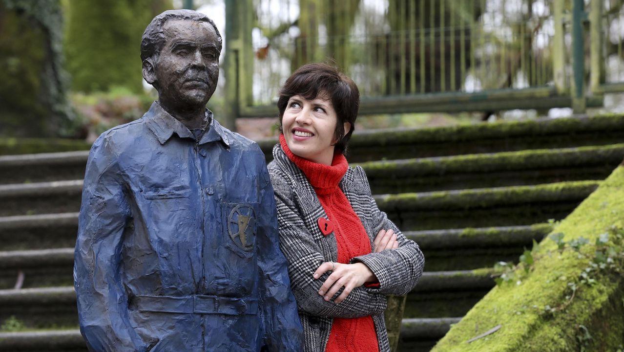 A actriz nacida en Bogotá asentouse con 20 anos en Compostela. «Ao chegar facíame graza que me preguntasen se era da zona nova ou da vella. Agora sei que son desta última e tamén, de Belvís ou da Alameda», admite dende a zona do parque onde loce a  estatua do Lorca teatral