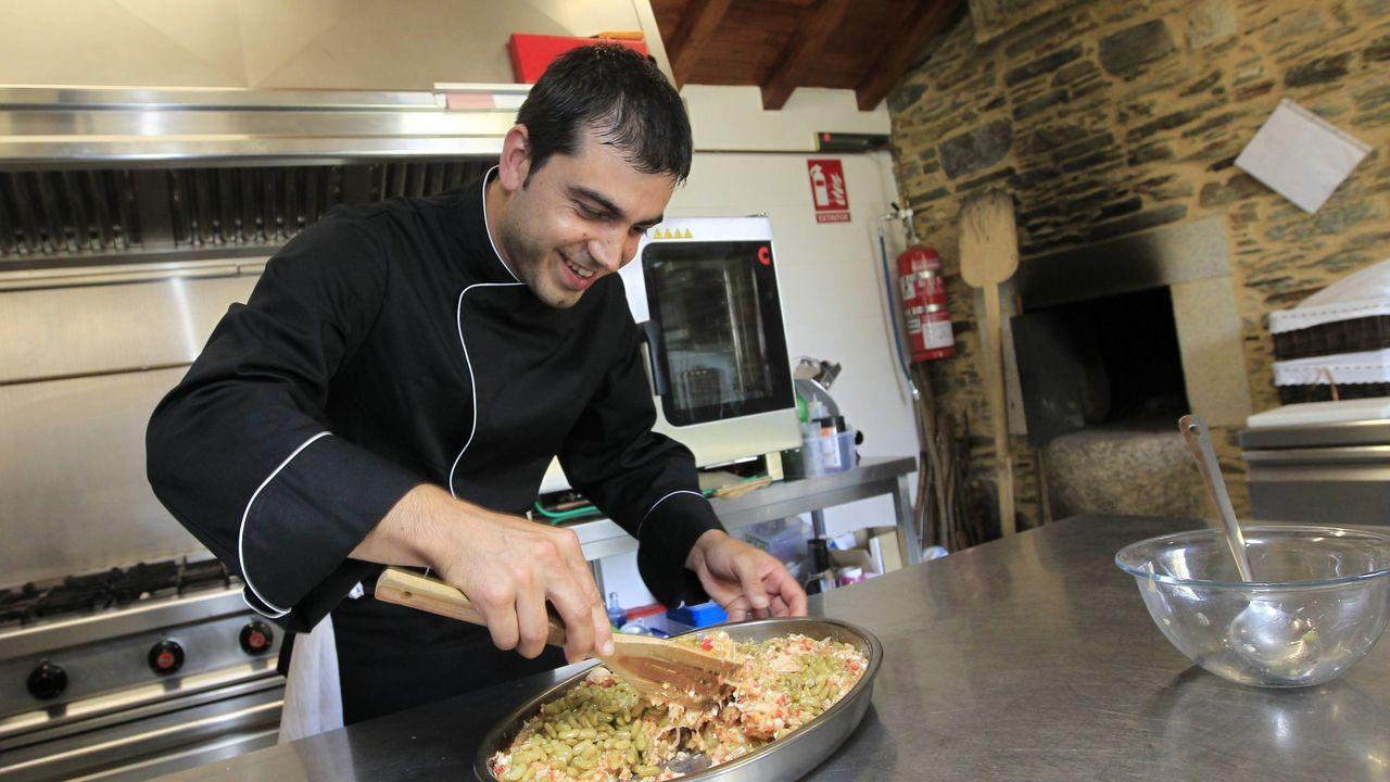 El restaurante Loliña cierra sus puertas.Jorge López, gerente de O Forno de Tovar, en el pazo de Tovar en Lourenzá, en imagen de archivo