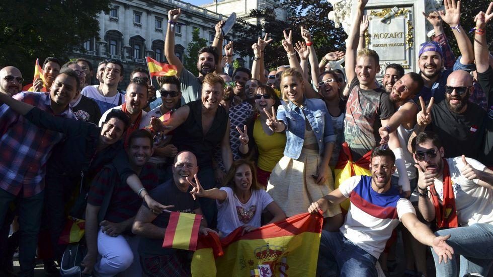 Edurne con fans en Viena