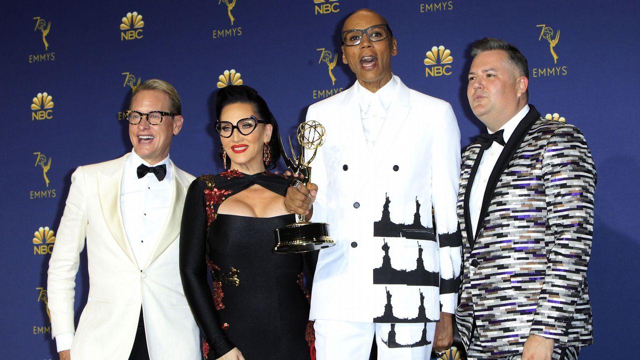 Emmy 2018: RuPaul posa con miembros del elenco y su Emmy a Mejor Presentador de Reality