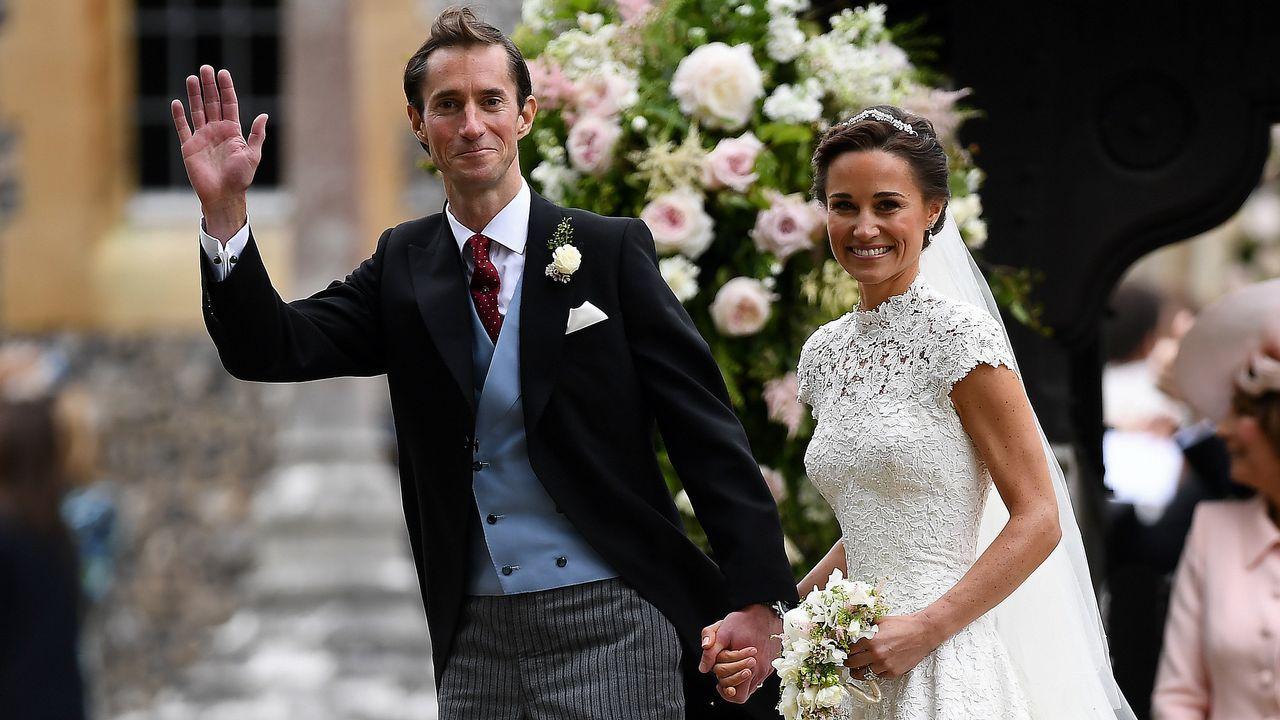 Así es el tercer hijo de los Duques de Cambridge.Una tiara propiedad de la Reina Mary. La joya que la reina Isabel II prestó a Meghan Markle para su boda fue una tiara en forma de banda de diamantes creada en 1932 con un espectacular broche desmontabla al centro, hecho en 1893 y compuesto de 10 brillantes diamantes.