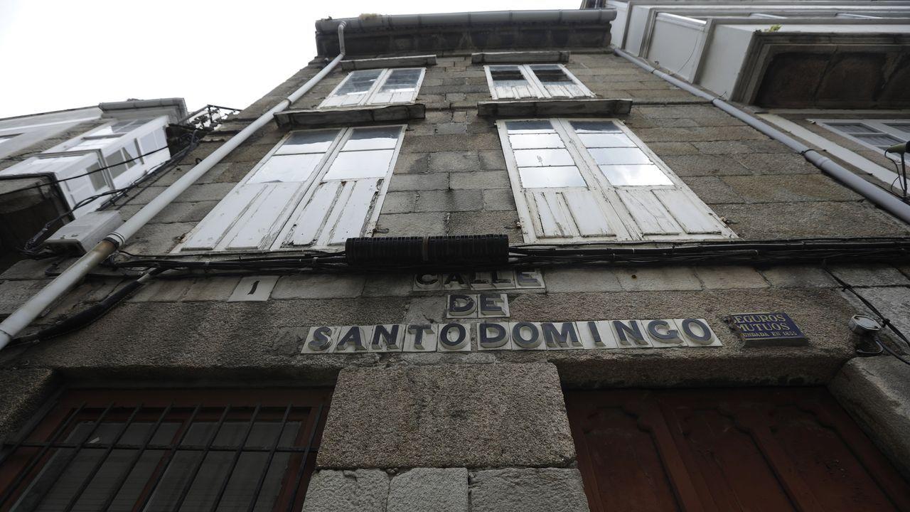 Una construcción de 1800. El número 1 de la calle Santo Domingo, en la Ciudad Vieja, fue levantado hace más de 200 años y tiene un bajo y dos plantas.