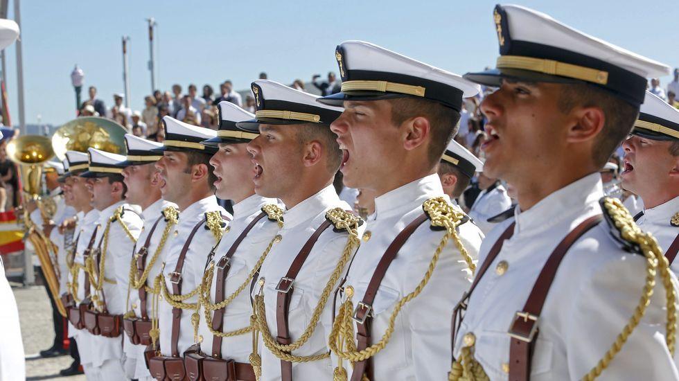 Celebración del día del Carmen en la Escuela Naval de Marín.