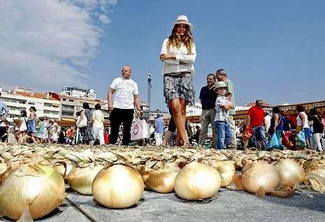 Antolín es una habitual del verano de Sanxenxo, a donde acude cada año desde hace 26 años.