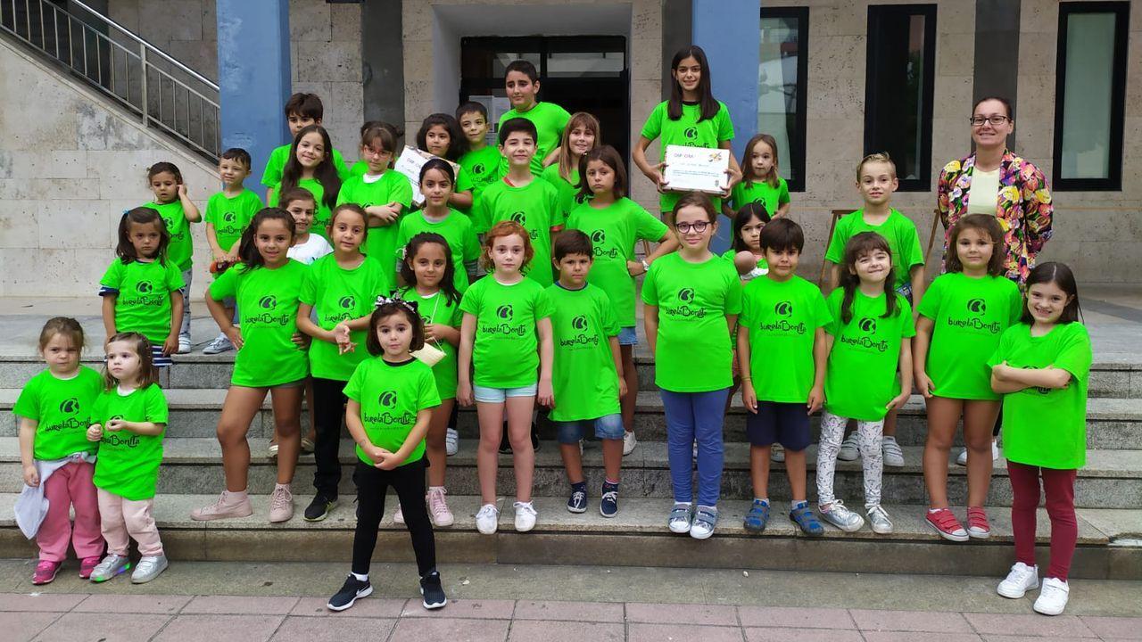 Acreditaciones del programa Stars de movilidad sostenible y segura para cuatro centros educativos de la provincia.Central de servicios de la Policía Local de Gijón