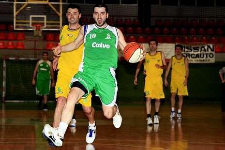 El Carballo Basket pretende ser fuerte en su cancha.