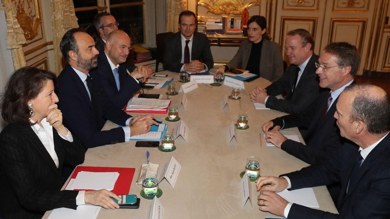 El primer ministro, Édouard Philippe, durante su encuentro con las organizaciones sindicales y patronales