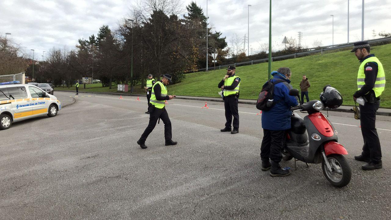 La Policía Local de Avilés realiza controles de tráfico