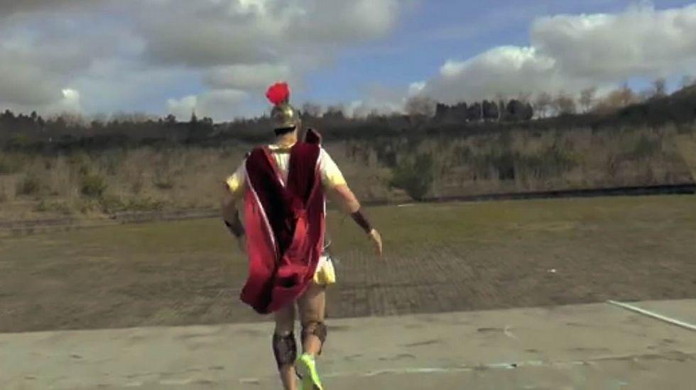 Promo oficial de la «Gladiator Race».Parte de los integrantes del M&P Running de A Estrada que participará en la prueba compostelana.