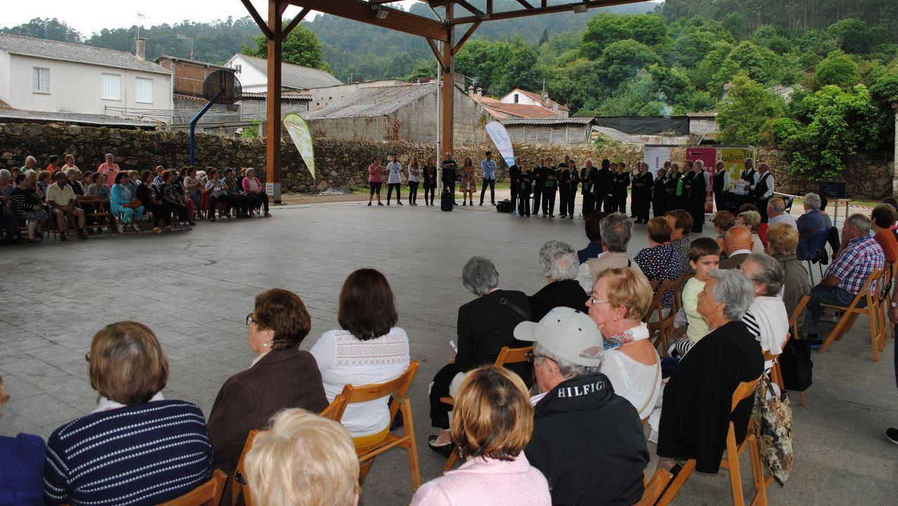 En el interior del Cetim.Residencia de la tercera edad Ballesol de Oleiros