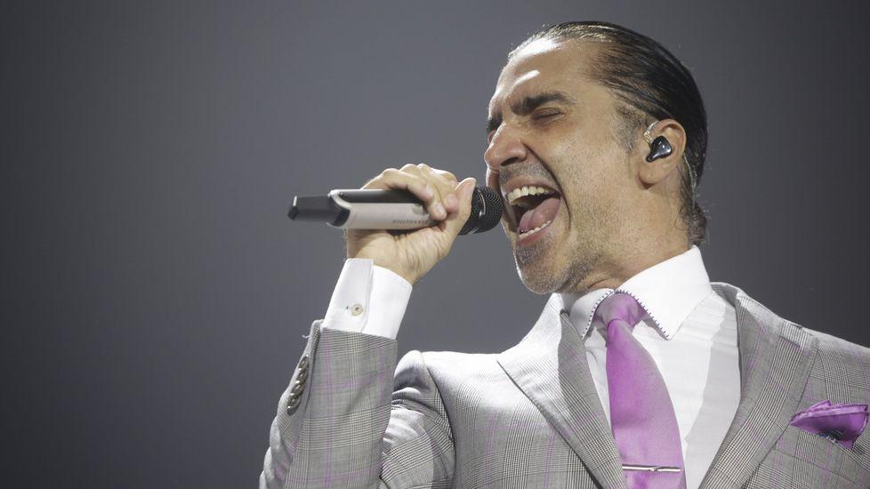 Alejandro Fernández, a punto de vomitar en un concierto