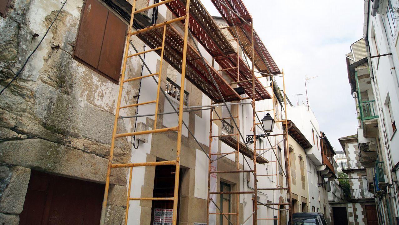 Pablo Casado: «Somos conscientes de los errores».Obras de rehabilitación realizadas en viviendas de Viveiro