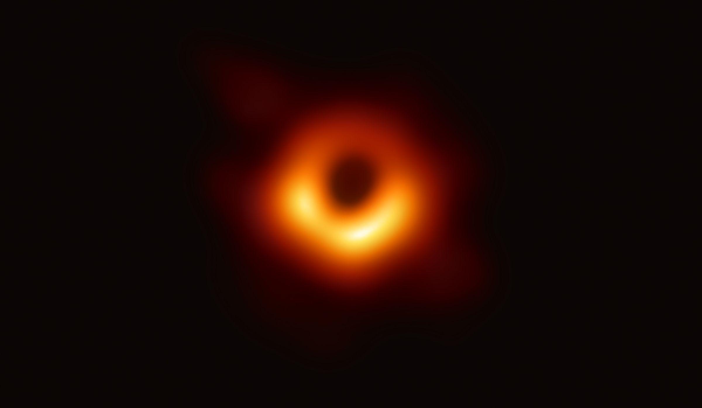 Una imagen inédita: así se captó la primera foto de un agujero negro.No exame tipo test, le ben as instrucións antes de comezar e responde primeiro as preguntas que saibas
