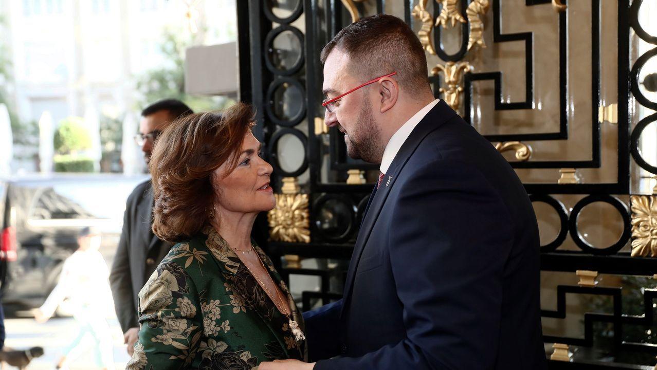 Adrián Barbón y Carmen Calvo