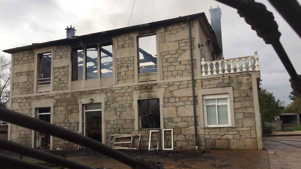 Edificio en la calle Uría tras el incendio.Edificio en la calle Uría tras el incendio
