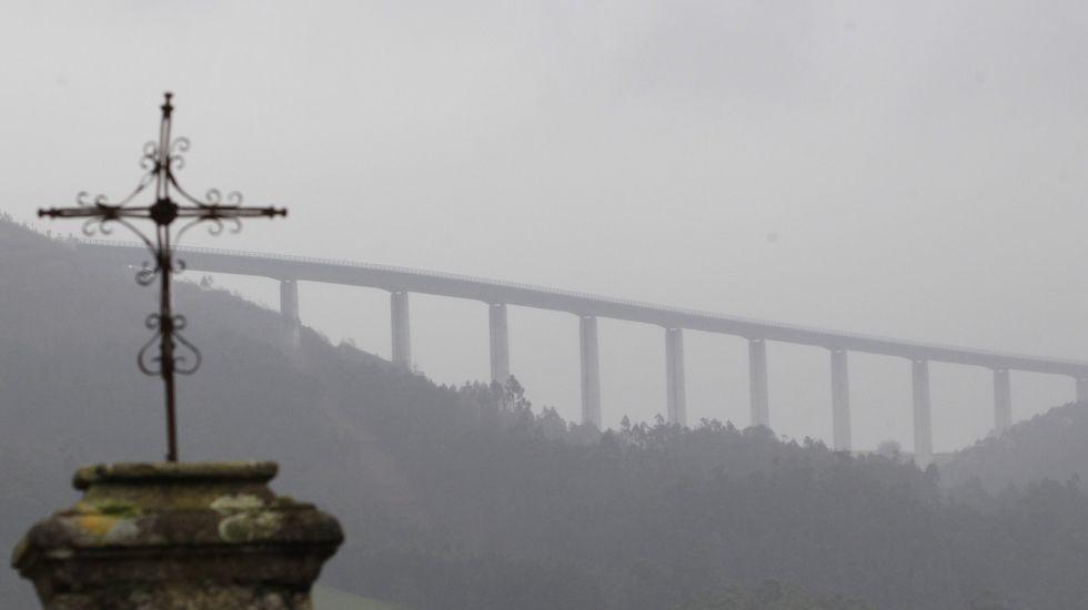 Tráfico estrena un sistema pionero para cerrar la A-8 cuando hay niebla