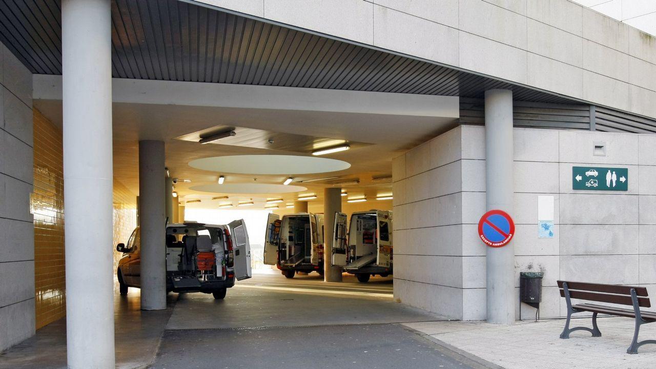 Despliegue de la Brilat en Ourense.La UME desinfecta los exteriores del hospital CHUO.  Décimoquinto día del Estado de Alarma por emergencia sanitaria originado por el coronavirus  COVID-19.