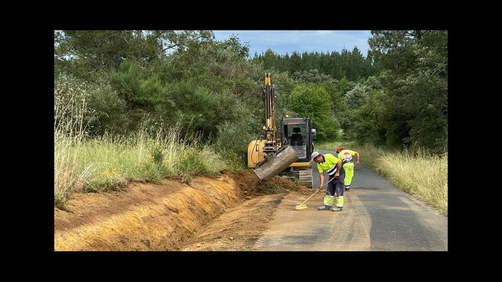 Las obras que empezaron este lunes incluyen la ampliación del ancho de la carretera hasta los 5,5 metros