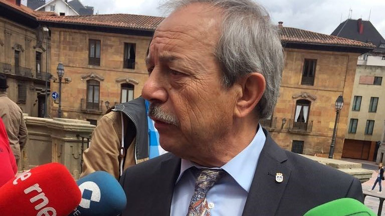 Villa Magdalena.El alcalde de Oviedo, Wenceslao López.
