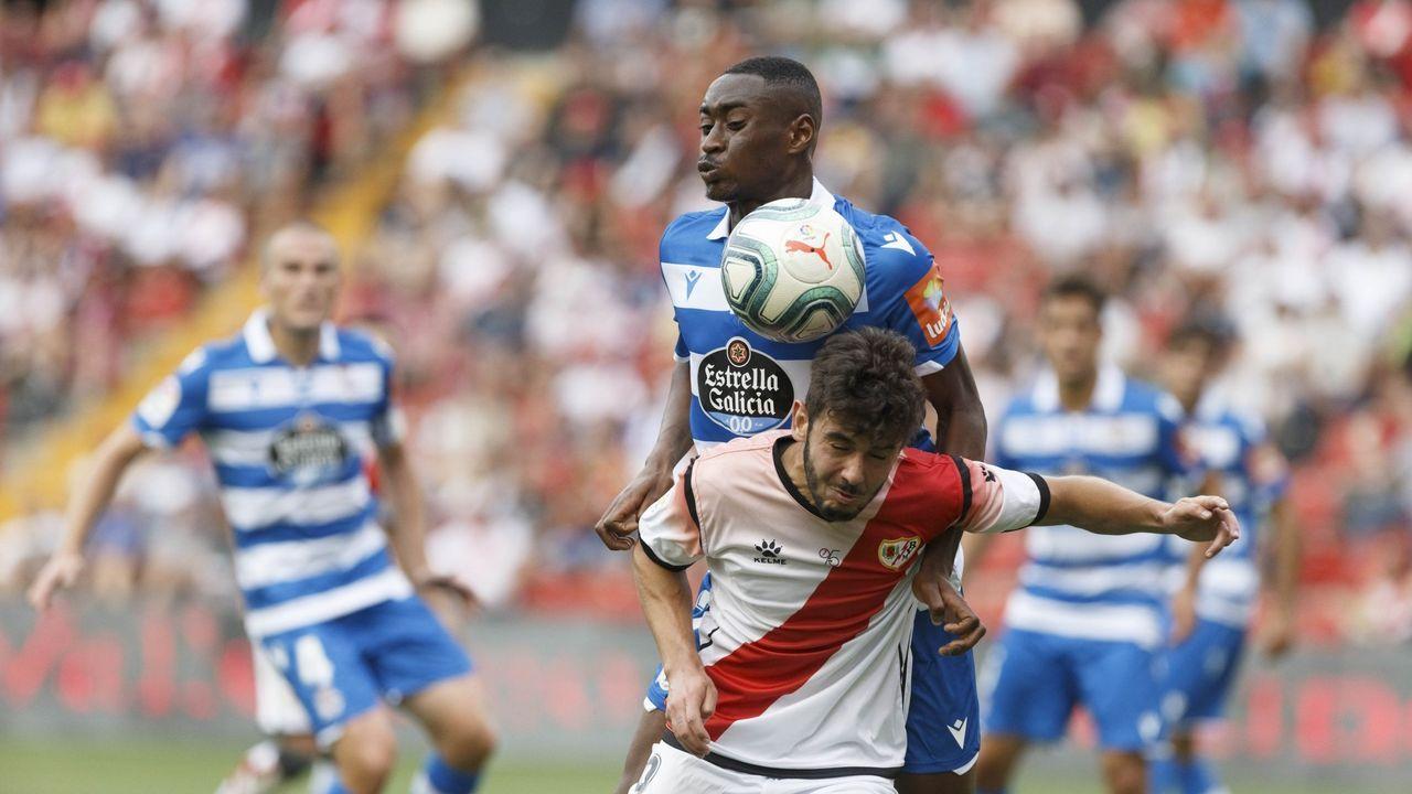 gol Luismi Ortuño Nolaskoain Real Oviedo Deportivo Carlos Tartiere.Luismi remata un centro para hacer el 1-0 ante el Deportivo