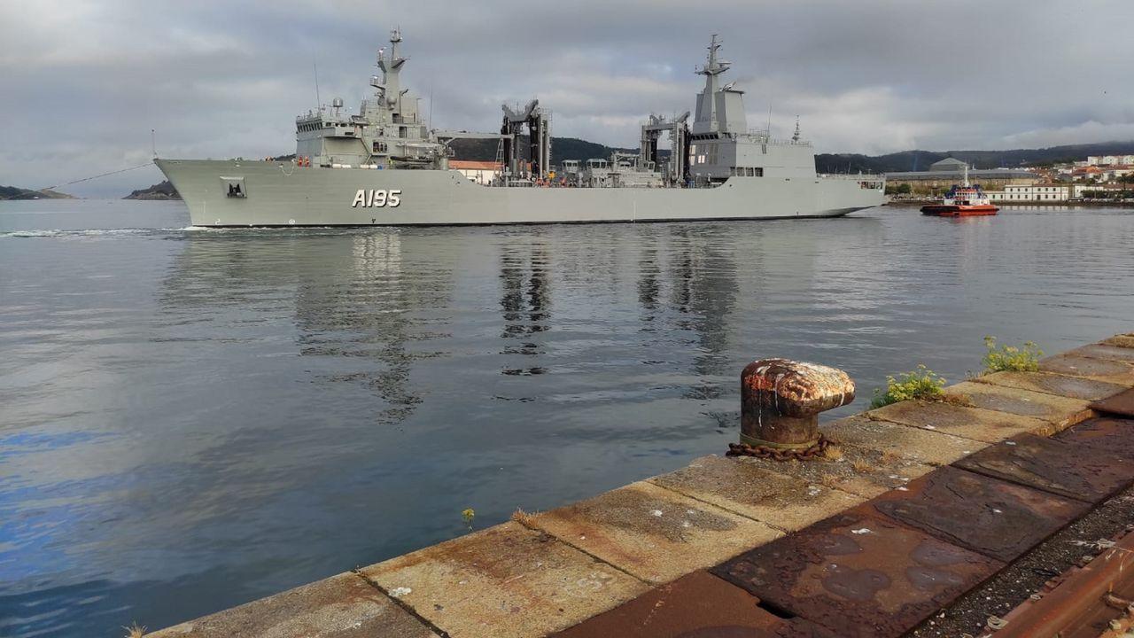 El primer buque logístico australiano, saliendo a las pruebas de mar
