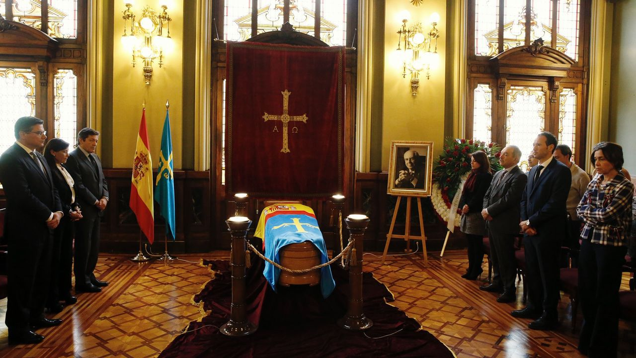 Capilla Ardiente Expresidente Vicente Álvarez Areces En Junta General.