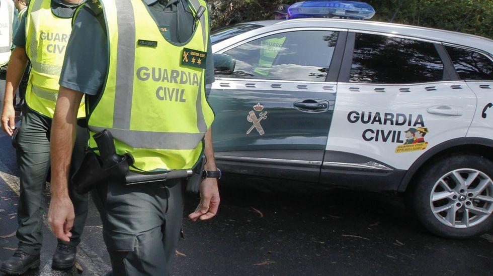 Desmantelan un punto de venta de droga en Arteixo y detienen a tres personas.San Juan 2019. San Xoán. Santa Cristina