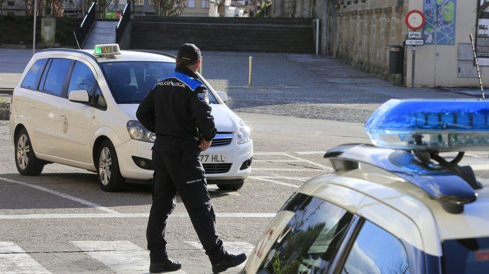 La convocatoria es para cubrir en propiedad tres plazas de la Policía Local de Monforte