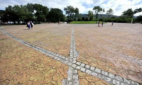 La verbena del 15 de agosto se trasladará a la plaza da Constitución, en el paseo marítimo.