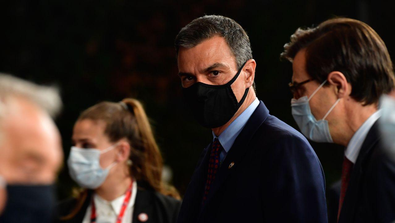 El presidente Pedro Sánchez, recibido en el Congreso entre aplausos de los diputados del PSOE y de Unidas Podemos