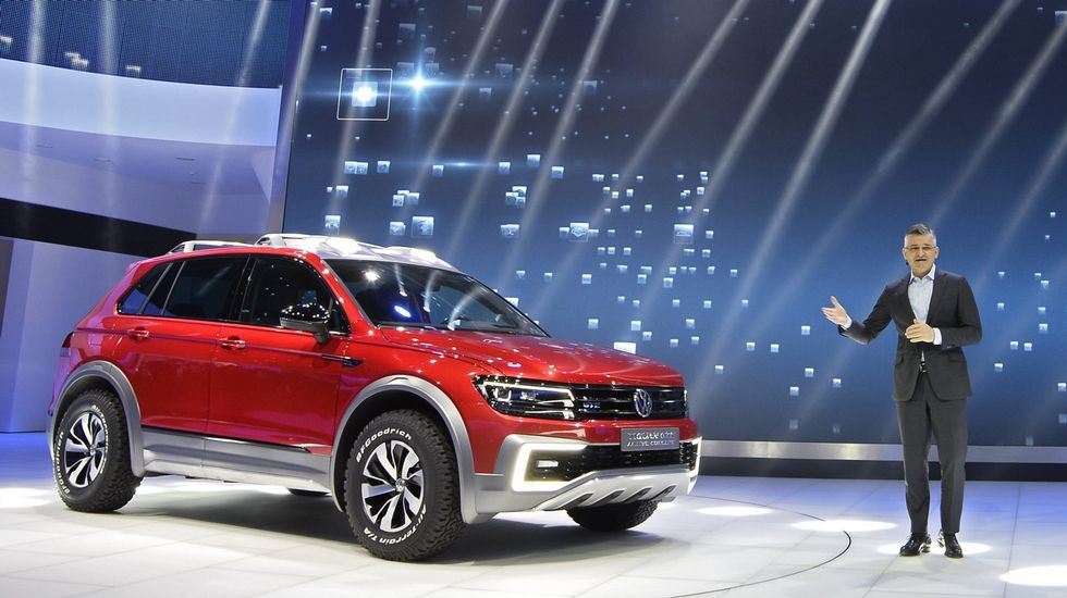 Expectación por el Tiguan. Volkswagen quiere recuperar el pulso en Estados Unidos y por ello en vez de presentar versiones convencionales del nuevo todocamino Tiguan, que llegará en los próximos  meses, lo hizo con esta versión GTE híbrida enchufable, con menos humos.