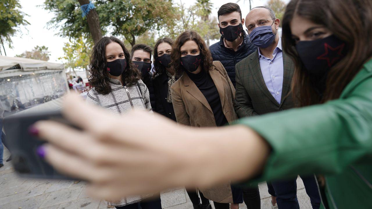 Isabel Díaz Ayuso arropó este jueves en Barcelona al candidato del PP a la Generalitat, Alejandro Fernández