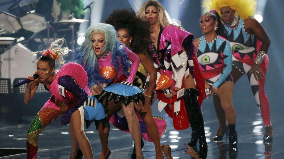 Miley Cyrus durante su actuación en la gala