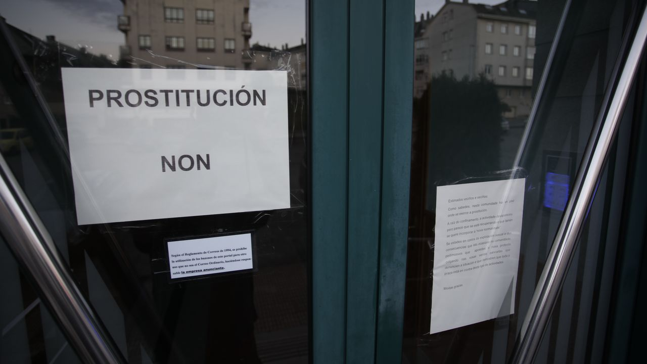Los vecinos colocaron carteles como muestra de rechazo