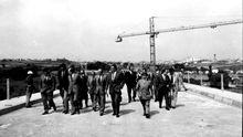 Visita en 1974 del ministro de Obras Públicas, Antonio Valdés, a las obras del puente de As Saamasas de Lugo, inaugurado el 1 de julio de 1975