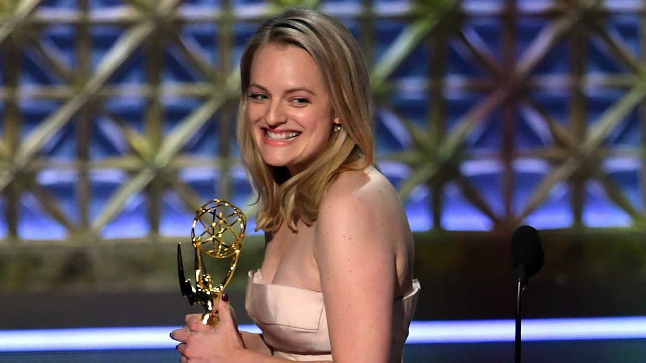 Elisabeth Moss logró el Emmy a la mejor actriz por «The handmaid's tale»