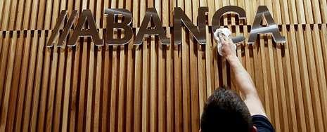 Letizia Ortiz inaugura «la exposición del siglo».Banesco cambió la denominación de Novagalicia por Abanca el pasado junio.
