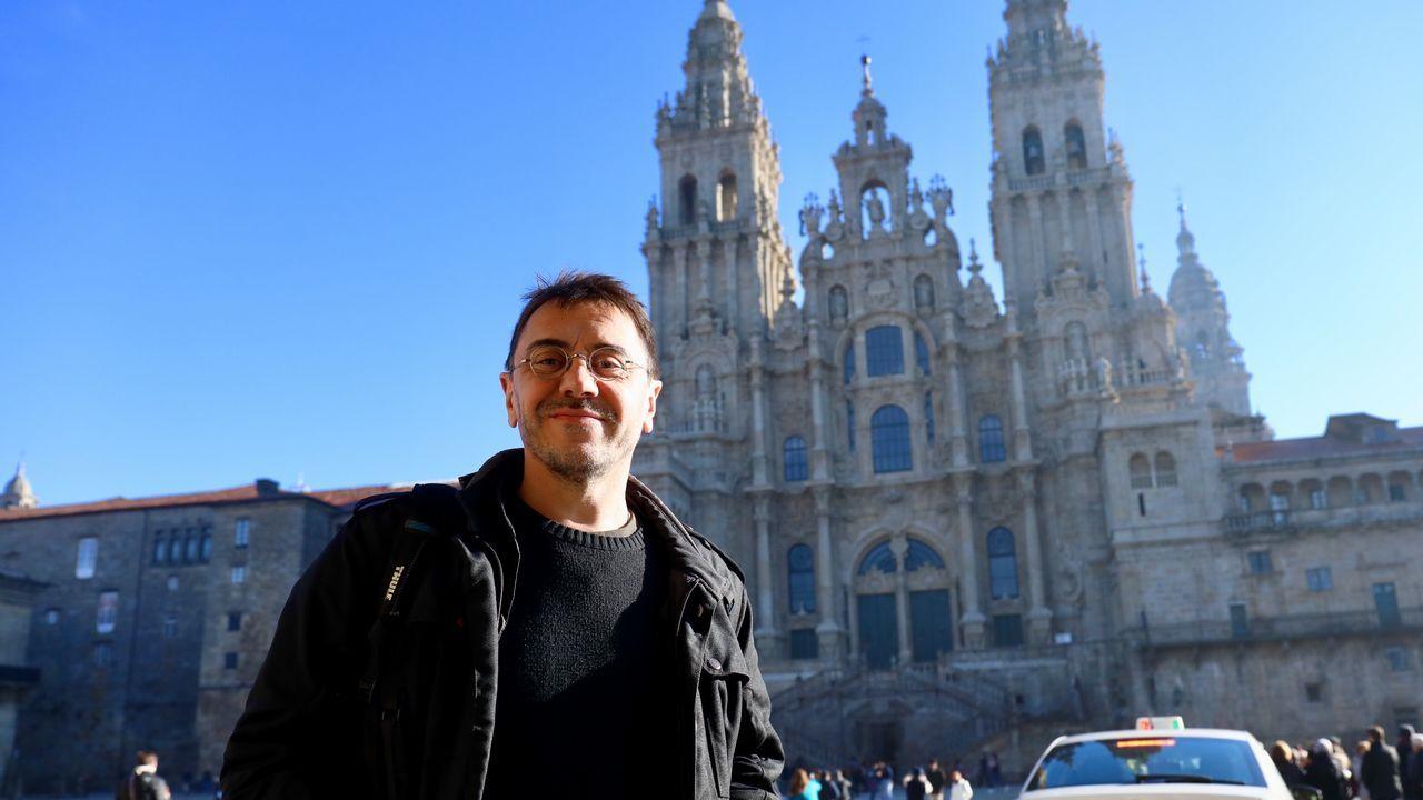 Juan Carlos Monedero en Santiago.Los alcaldes de Ferrol, Santiago y A Coruña durante una comparecencia en 2016