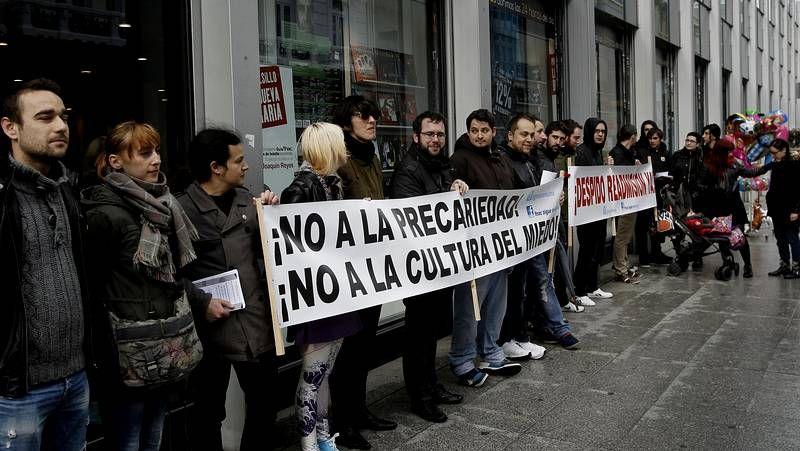 Trabajadores de la Fnac en el primer día de huelga