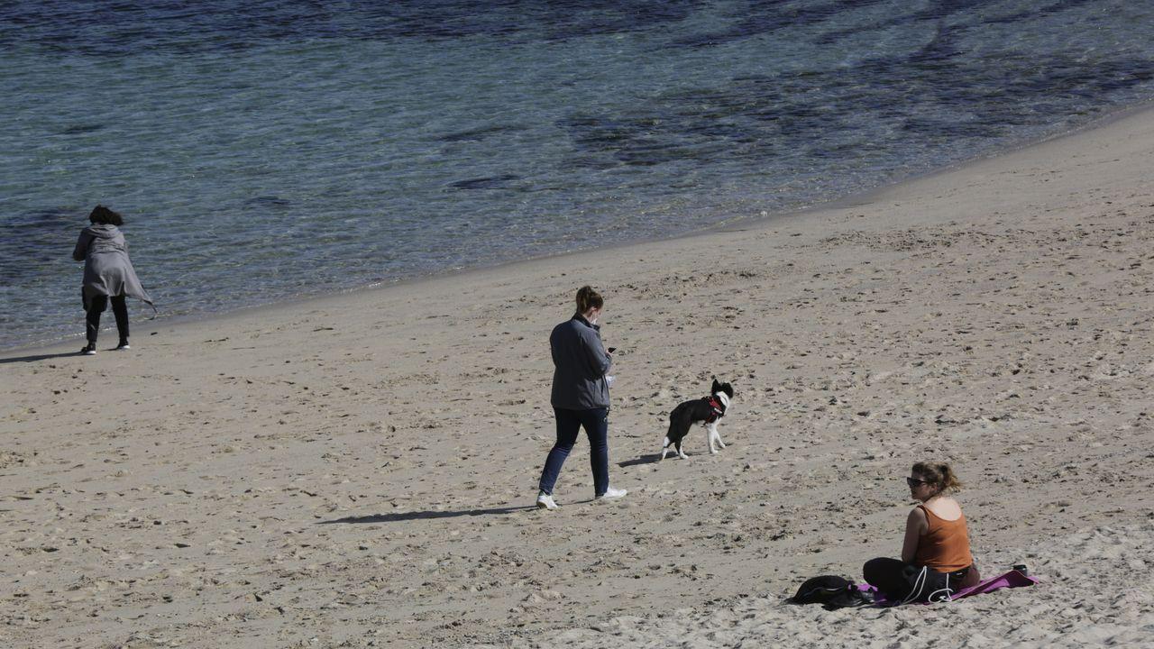 Viernes de buen tiempo en A Coruña.Álvaro Mena, internista del Chuac