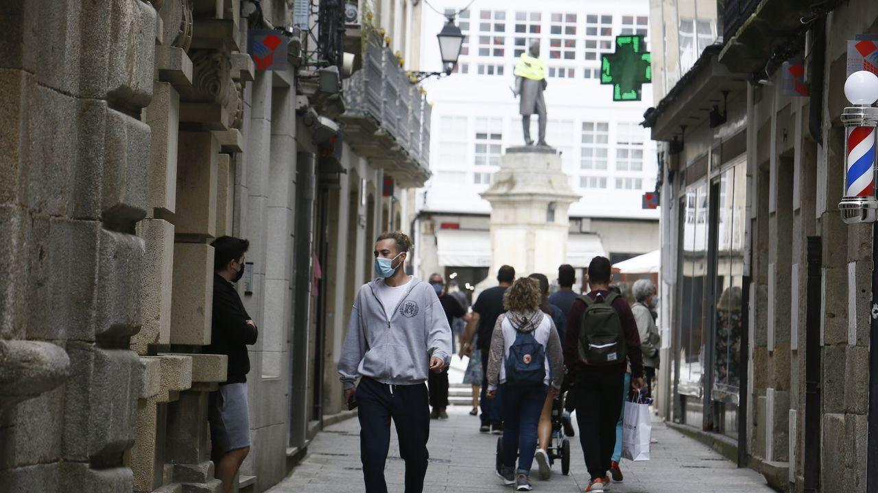 La calle Pastor Díaz, parte del corazón comercial de Viveiro, este miércoles
