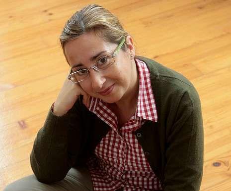 Chus Álvarez é a bibliotecaria municipal de Foz.
