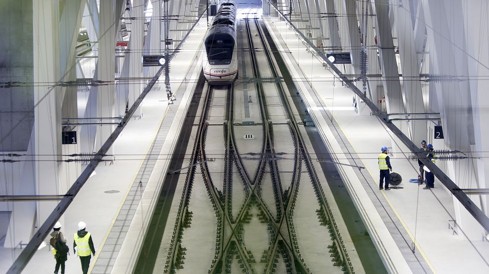 Redondela cuenta con nuevas instalaciones ferroviarias, pero pierde la parada de un tren a Madrid.