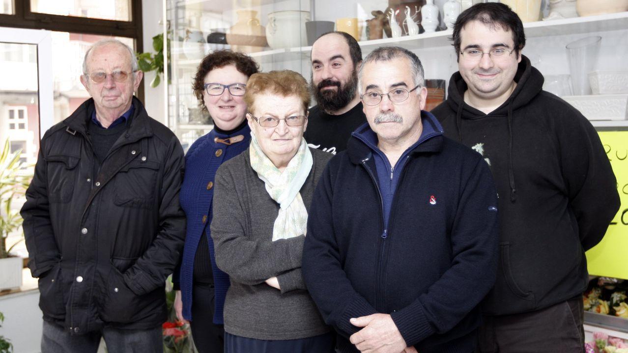 Fina Gómez codirige el negocio familiar que fundó su padre (a su izquierda), recientemente fallecido
