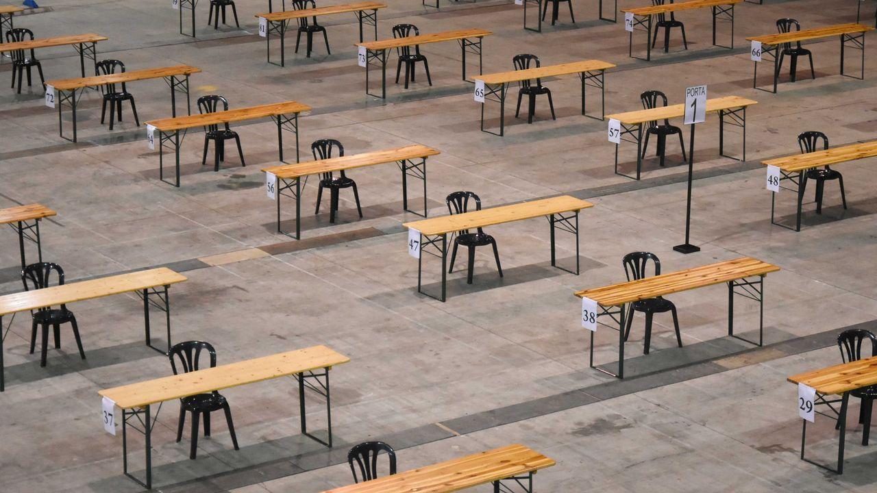 Exámenes anticovid: sin corrillos, sin llamamiento y con más ventilación.Las mesas estarán numeradas y separadas lateralmente por más de cuatro metros, y habrá al menos tres entre el puesto de delante y el de detrás
